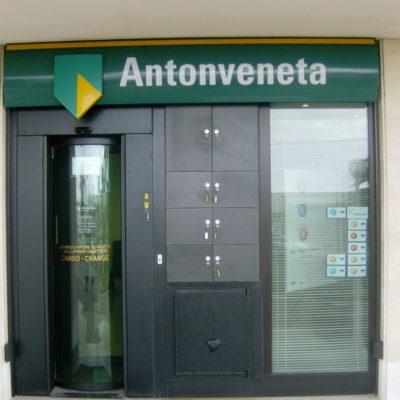Insegne Banca Antonveneta Bari 01